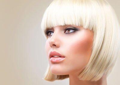Couleur blonde sur coupe femme